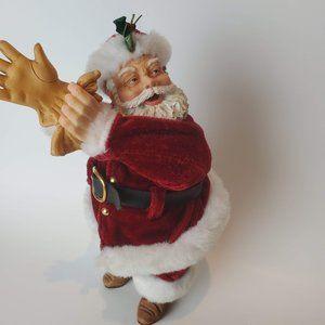 Santa Put it on His Gloves figurine